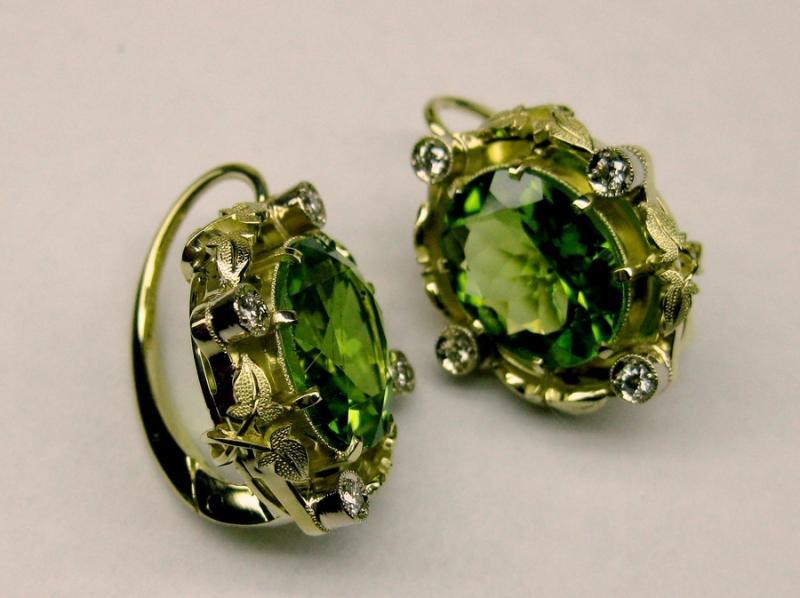 133 золото, бриллианты, хризолиты