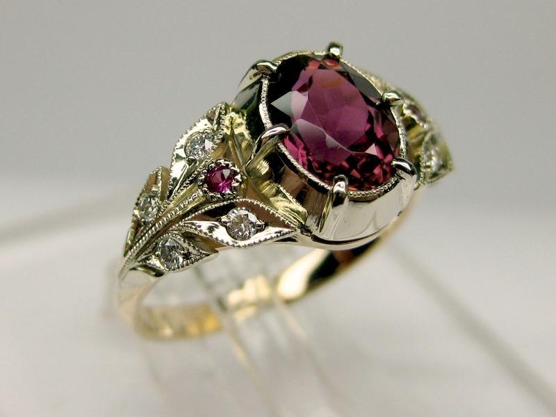 104 золото, бриллианты, рубины, родолит